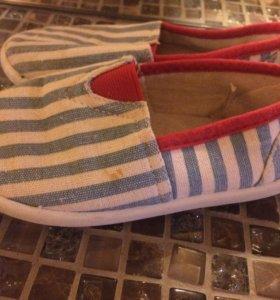 Обувь детская, тапочки,сандали