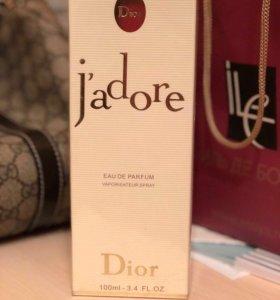 Парфюмированая вода J'adore Dior