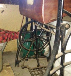 Швейная машинка, предмет старины,торг год 1944