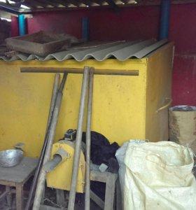 Железный ящик под зерно и зерновые культуры