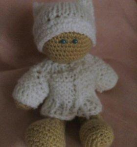 Вязаная милая куколка