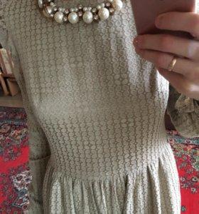 Платье (на никах)