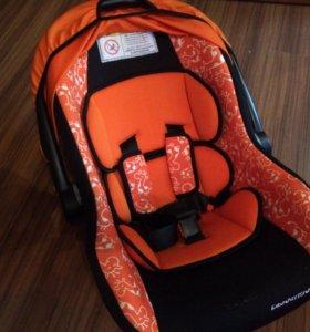 Кресло детское авто до полутора лет