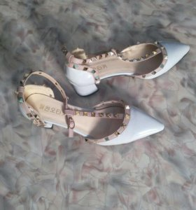 Туфли новые размер 39
