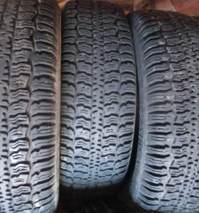 Продам всесезонные шины R16 205/70