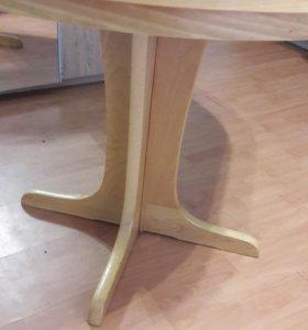 Стол раскладной и стулья