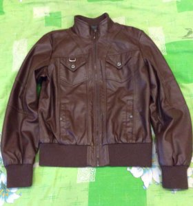 Женская куртка кож зам 46 размер