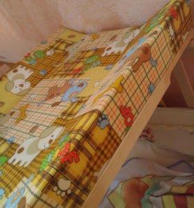 Пеленальная доска на кровать