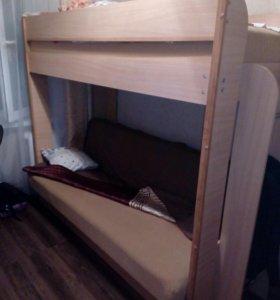 Кровать двух ярусов