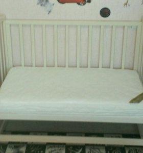 Кроватка+матрас+ бампер+одеяло,подушка,постельное
