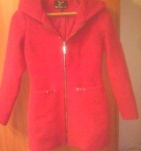 Пальто красивое