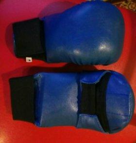 Перчатки (накладки) для каратэ