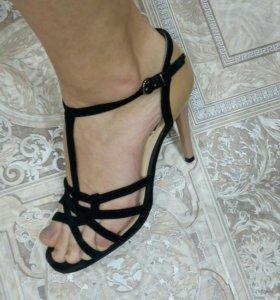 Босоножки натуральные туфли