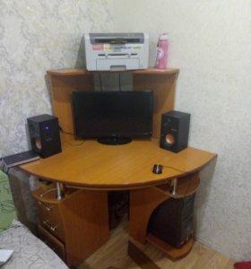Компьютер ,компьютерный стол