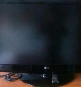 Телевизор ЖК хорошо подходит для игр LG 3000-42