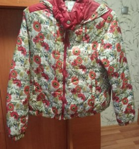 Куртка б/у лето осень