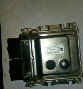 Модуль управления двигателем Bosch.