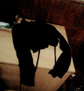 Чёрный, короткий кардиган, или накидка