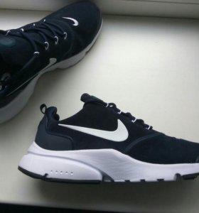 Nike- presto fly