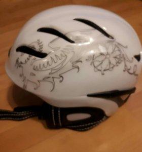 Шлем горнолыжный женский