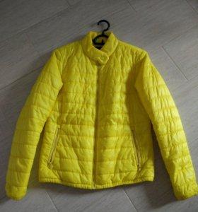 Демисезонная куртка 44-46р.