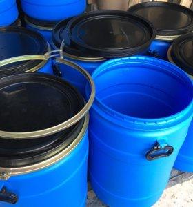Бочки пластиковые 120 литров, чистые.