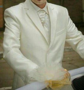 Костюм мужской свадебный
