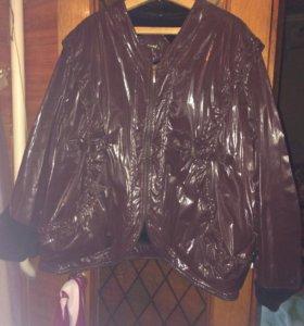 Куртка на меху с большим капюшоном
