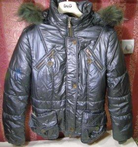 Очень теплая куртка с мехом в идеальном состоянии