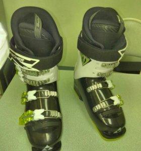Ботинки лыжные детские 33р