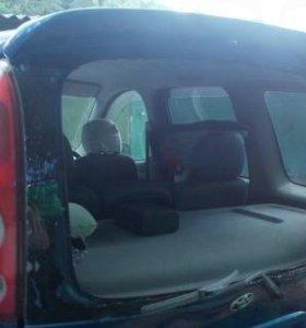 5 дверь Toyota funcargo после удара