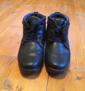 Ботинки зимние 37 размера