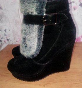 Ботинки зимние замшевые на платформе