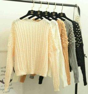 Шикарный свитер с жемчужными бусинками