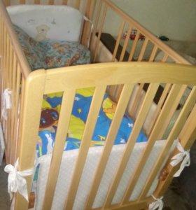 Кроватка с комодом и пеленальным столиком