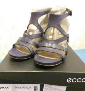 Босоножки ECCO