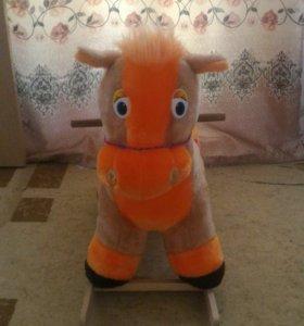 Лошадка-качалка.
