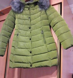 Зимняя куртка в идеальном состоянии.