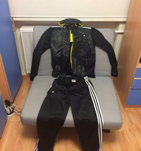 Спортивный костюм Adidas мужской, размер S.
