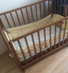 Кроватка детская с маятником  с ящиком