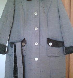 Пальто женское демисезонное и шапка
