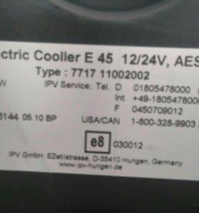 Термоэлектрический контейнер охлаждения