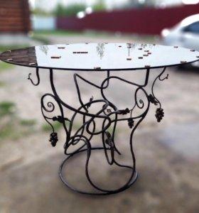 Кованый стеклянный столик