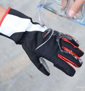Перчатки мужские и жен для активного отдыха. Новые