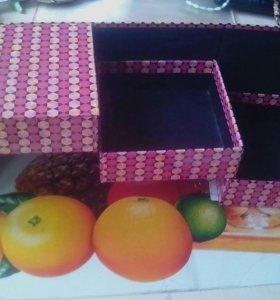 Коробка для аксессуаров.