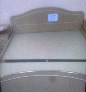 Кровать двуспальная (цвет бук)+матрац