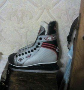 Коньки хоккейные, 43 размер