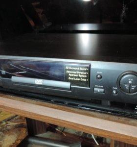DVD player 711  c пультом