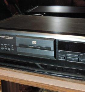 HI-FI compact disc player CDP-XE 800