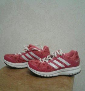 Кроссовки adidas для девочки